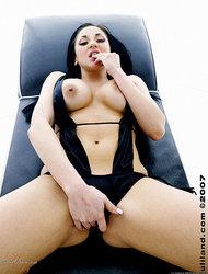 Audrey Bitoni solo