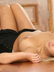 Ashlynn Brooke Stripping Showing Off Killer Body