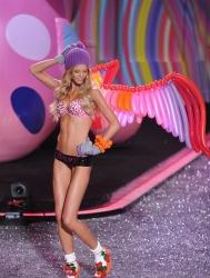 Erin Heatherton nude
