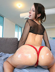 Busty Jada Stevens With Perfect Booty