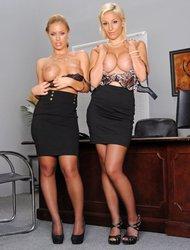 Nicole Aniston & Lexi Swallow