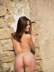 Barbara Vie Posing Naked Outdoor