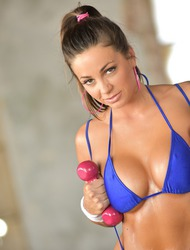 Sporty Babe Abigail Mac Strips Off Her Sexy Bikini