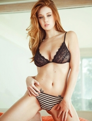 Leanna Decker Natural Tits