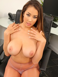 Sarah Turner Gets Undressed In Office