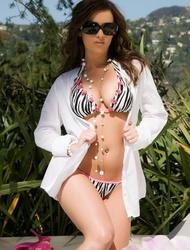 Taylor Vixen Strips Off Her Bikini