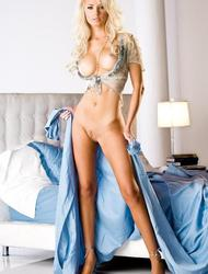 Tiffany Toth Posing Naked On Her Bed