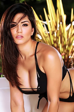Sunny Leone pink pussy