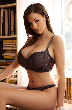 Jordan Carver huge boobs