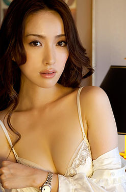 Sensual Asian Hottie Saki Seto