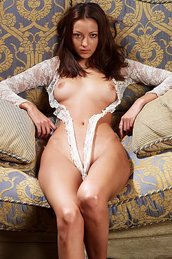 Anna Posing Nude On The Sofa