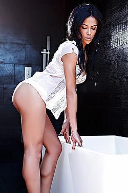 Hot Kylie Johnson