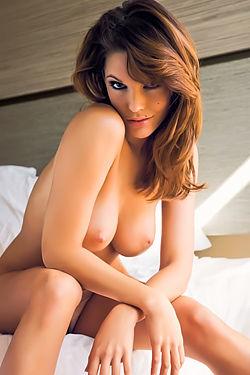 Nude Triana