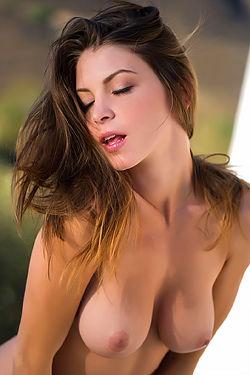 Amber Sym Via Digital Desire