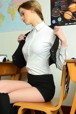 Melissa Thompson Stripping