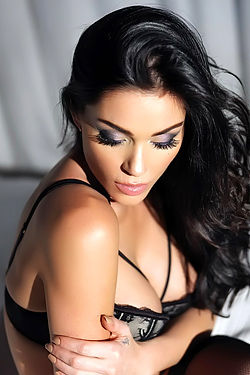 Jasmine Waltz Glamour Photoshoot