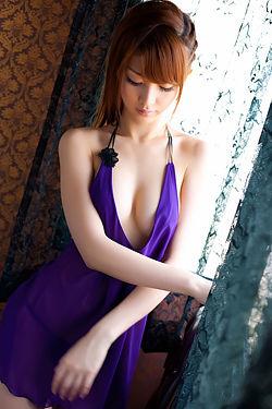 Sexy Asian Babe Azusa Togashi