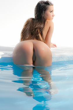 Georgia Jones Poolside Lover