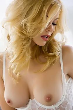 Kennedy Summers Playboy Playmate