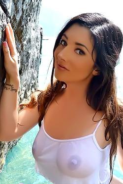 Scarlett Morgan Candids