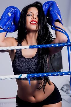 Cara The Boxer