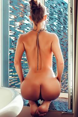 Eva Perfect Ass