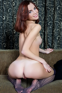 Aurmi Posing Nude In Stockings