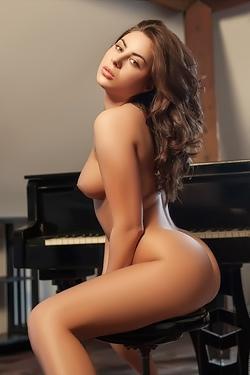 Glamour Erotic With Nikki