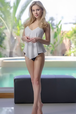 Candy Sexy Blonde Teen