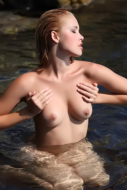 Alissa - Hot Rays