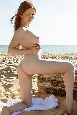 Nikola Posing Nude