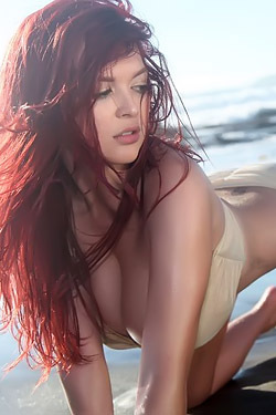 Tessa Fowler Topless At The Beach