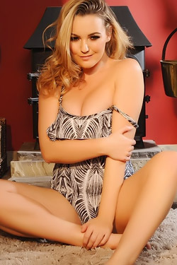Jodie Gasson Takes Off Her Bathing Suit