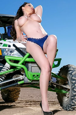 Nikki Benz Goes Desert Driving