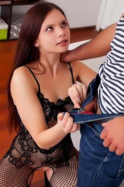 Brunette Teen Slut First Time Anal Sex