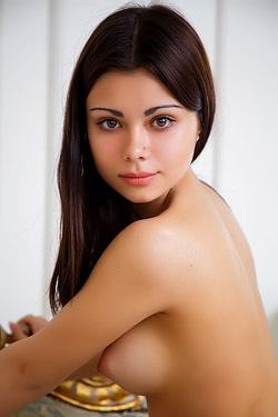Precious Shows Her Sexy Naked Body
