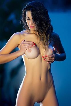 Gorgeous Vanessa Alvar