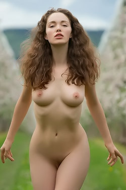 Vika Naked Outdoors