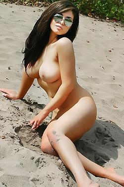 Sam Buxton's Beach Body