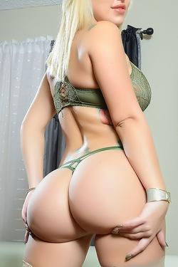 Savana Styles Squirt Queen