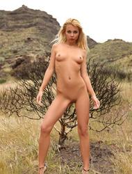 Lea Tyron Masturbating In The Wild